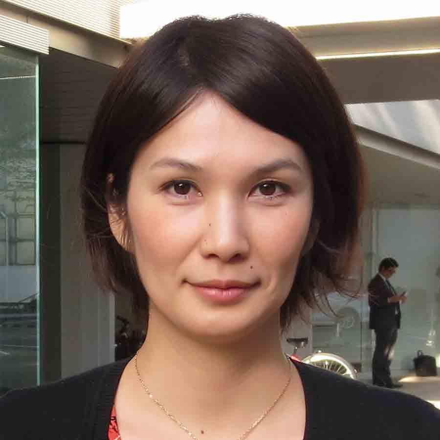 Yutsuki Ozaki : Administrative Assistant